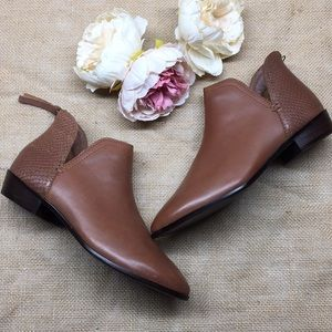 Kenneth Cole Reaction Brown Booties 6.5M